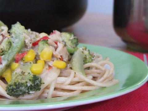 Spaghetti mit Brokkoli-Thunfischsauce, Kleinkindrezept von Babyspeck & Brokkoli auf babyspeck.at