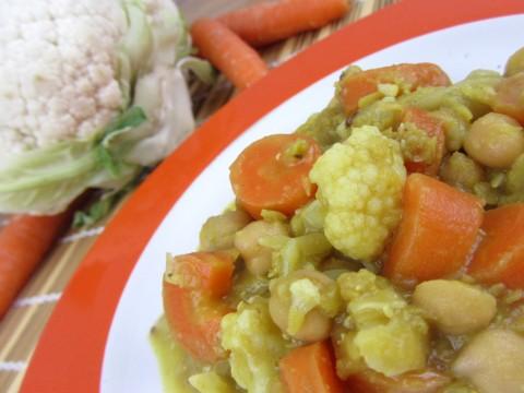 Rote Linsen Eintopf mit Karotten, Karfiol und Kichererbsen, Babyrezept von Babyspeck & Brokkoli auf babyspeck.at
