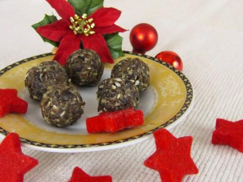 Energiekugeln, Weihnachts-Keksrezept ohne Zucker von Babyspeck & Brokkoli auf babyspeck.at