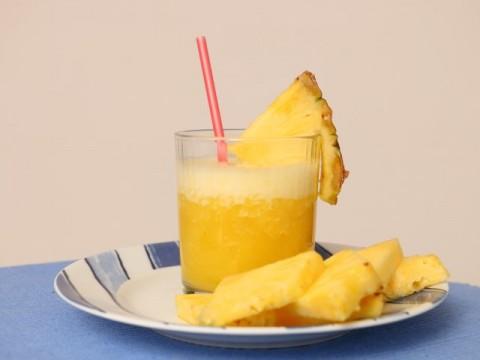 Ananas-Bananen-Kokos-Smoothie, Babyrezept von Babyspeck & Brokkoli auf babyspeck.at