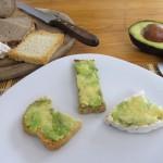 Baby-Frühstücksrezept Avocadobrot von Babyspeck & Brokkoli auf babyspeck.at