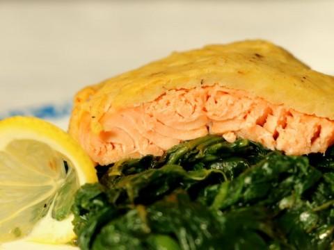 Baby-Fischrezept Saibling mit Kartoffelkruste von Babyspeck & Brokkoli auf babyspeck.at