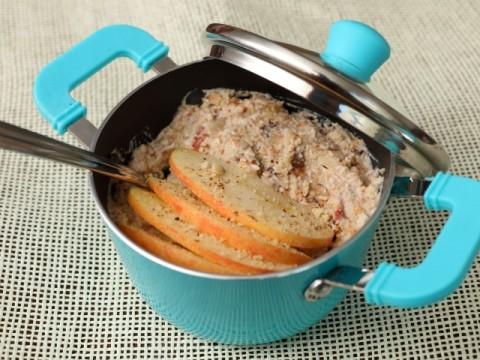 Baby-Frühstücksrezept Overnight Oats mit Apfel und Rosinen von Babyspeck & Brokkoli auf babyspeck.at
