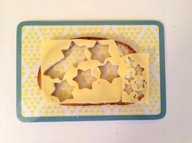 4. Dezember von Adventkalender 2015 von babyspeck.at. Mamas Brot ist die Resteverwertung der adventlichen Abendbrote für die Kinder
