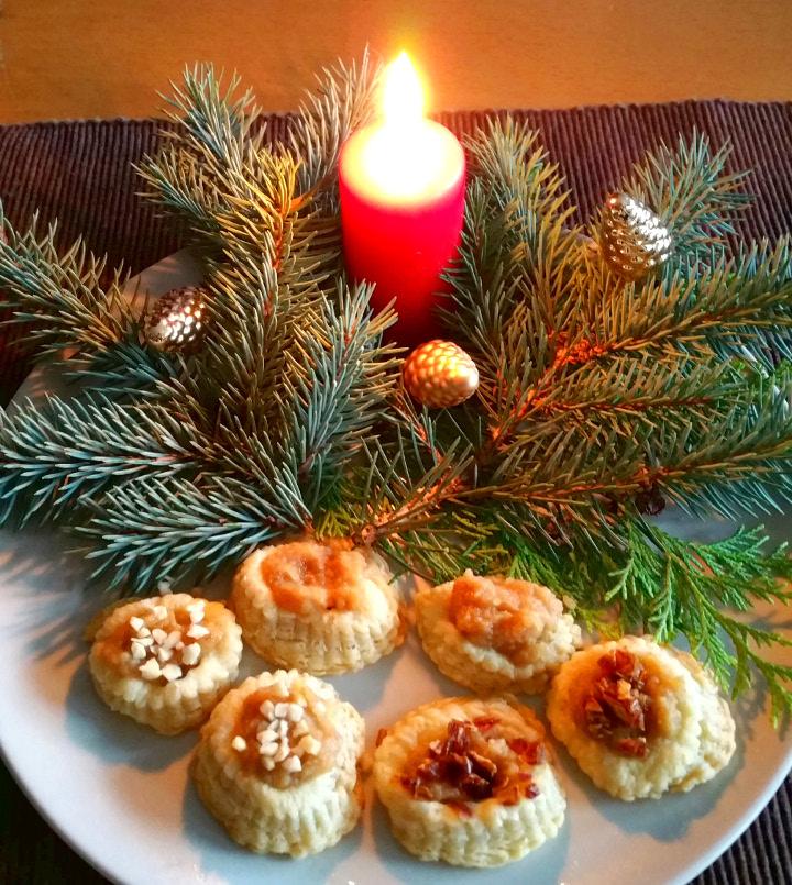 Zuckerfreies Babyrezept Rahmkringel mit Bratapfelmus für Weihnachten im Adventkalender von Babyspeck & Brokkoli auf babyspeck.at am 6. Dezember 2015. Gastbeitrag von Eileen Stieger