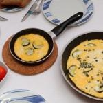 omelett mit zucchini und käse (babyspeck)
