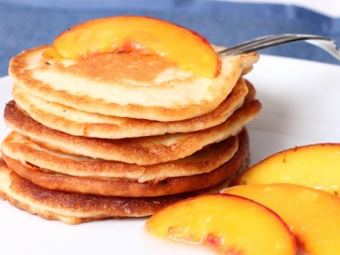 vanillepancakes mit nektarine (babyspeck.at)