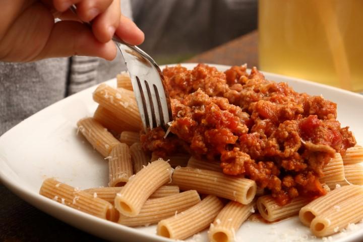 Pasta Bolognese mit Rindfleisch und Tomaten auf babyspeck.at